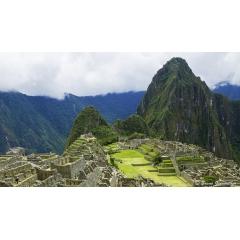 Voyage sur mesure au Pérou - LIMA – AREQUIPA – CANYON DU COLCA – LAC TITICACA – CUSCO – VALLEE SACREE - MACHU PICCHU  Ce voyage sur mesure vous fera découvrir le Pérou en visitant tous ces lieux mythiques de la manière la plus authentique et loin du tourisme de masse. Les nombreuses rencontres avec différentes communautés indiennes Quechua et Aymara, vous feront connaître la véritable culture de ce pays haut en couleurs. En dehors des nuits chez l'habitant vous serez accueillis chaleureusement dans des hôtels de charme confortables.