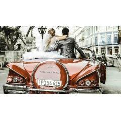 Voyage de Noces à Cuba - LA HAVANE – CIENFUEGOS – TRINIDAD – TOPES DE COLLANTES – SANTA CLARA – CAYO SANTA MARIA – LA HAVANE  Pourquoi Cuba ? Le Ché, Fidel, le cigare et les mojitos bien entendu ! Mais bien qu'ils ne nous parviennent pas à l'idée tout de suite, le romantisme, la sensualité, la beauté des sites naturels et l'attention des Cubains sont aussi les atouts majeurs de l'île. Tous contribueront à faire vivre un très beau voyage en couple.