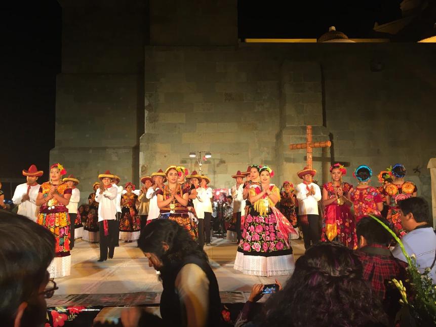 Mexicains qui dansent - Ville de Oaxaca